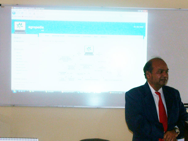 Prof. G.R.Singh of SVBPUA&T giving thanking speech to the IITK team for their effort